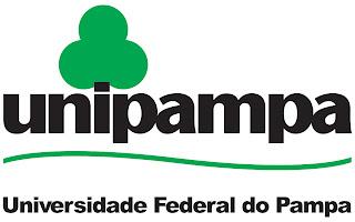 """Logomarca da Universidade Federal do Pampa - escrito o nome da universidade em preto e na letra """"i"""" forma uma arvorezinha em cima. Logo abaixo um risco sinuoso representa os pampas gaúchos."""