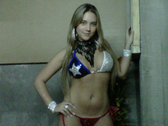 Connie Mengotti Fotos Hot Playboy Noviembre Infartante