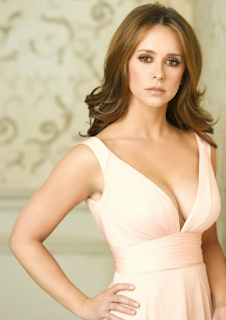 Screenshots of the Jennifer Love Hewitt.