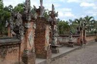 http://www.lomboksociety.web.id/2015/06/bali-versus-lombok.html