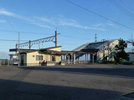 JR東日本 本楯駅