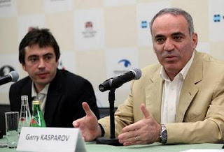 Echecs à Moscou : l'ex-champion du monde Garry Kasparov en conférence de presse - Photo © Chessbase