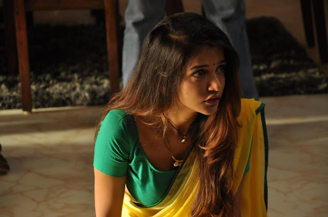 Actress Hot Saree Photos From Satya Movie