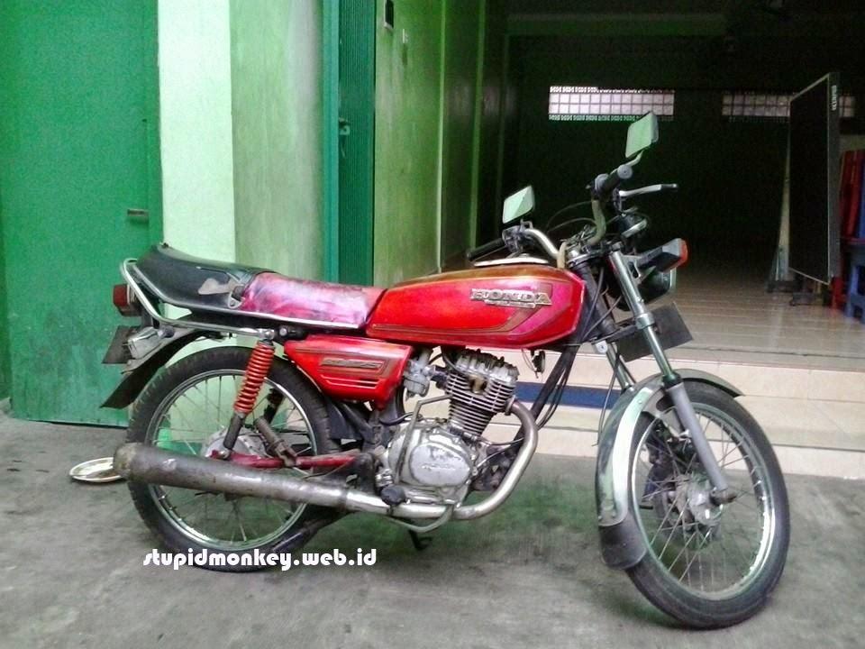 motor jadul honda gl 125