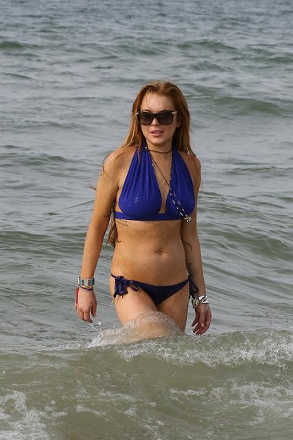 Lindsay lohan vistiendo un bikini