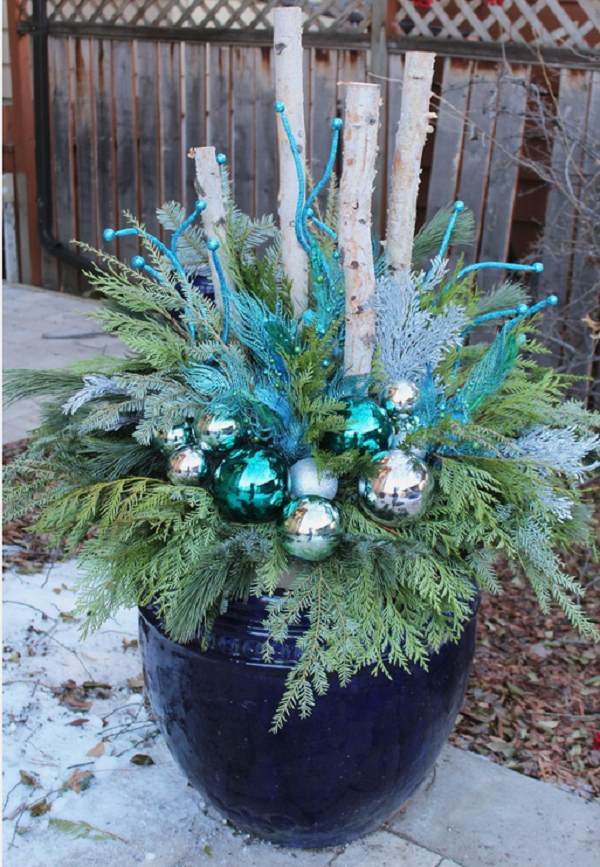 Decorating Ideas > Calling It Home ~ 085848_Christmas Decorating Ideas For Outdoor Planters