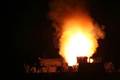 lanzamiento de misil tomahawk