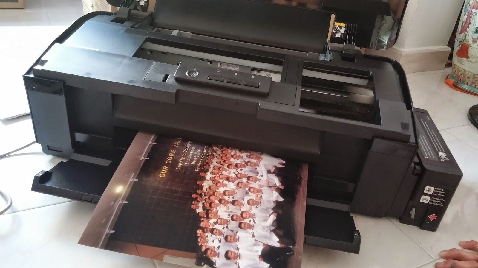 Best color printing quality - L1800 Printer Is One Of Its Kind As It Is Able To Print Photos Of Up To A3 Size This Made It Possible For Shops To Purchase This Printer For Their Photo