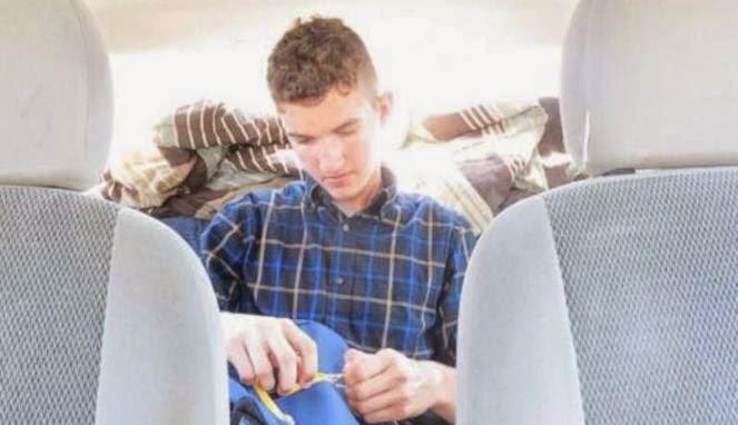 Kisah Mahasiswa Broken Home yang Tinggal di Mobil Kisah%2BMahasiswa%2BBroken%2BHome%2Byang%2BTinggal%2Bdi%2BMobil