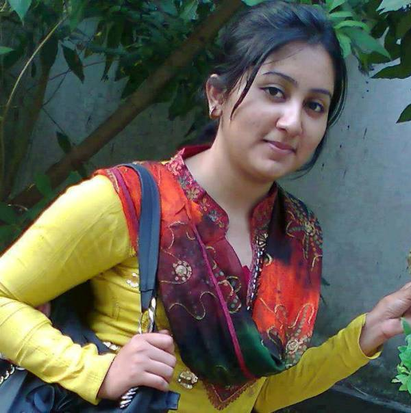 Faisalabad girl pic