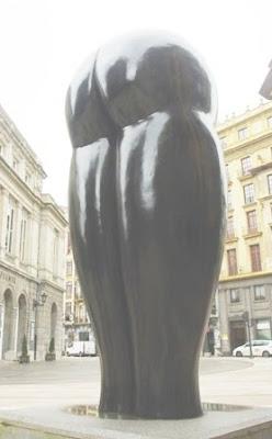 Oviedo, escultura Culis monumenalis