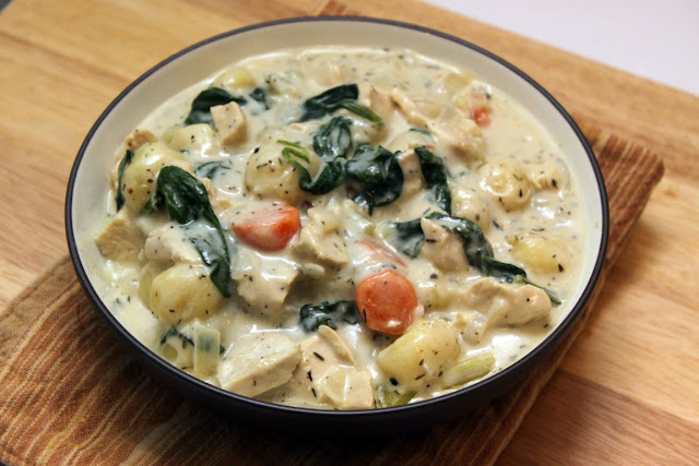 Creamy Chicken Gnocchi Soup #under400caloriesoup