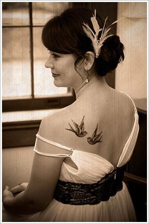 Tatouage Hirondelle dans le dos Vintage