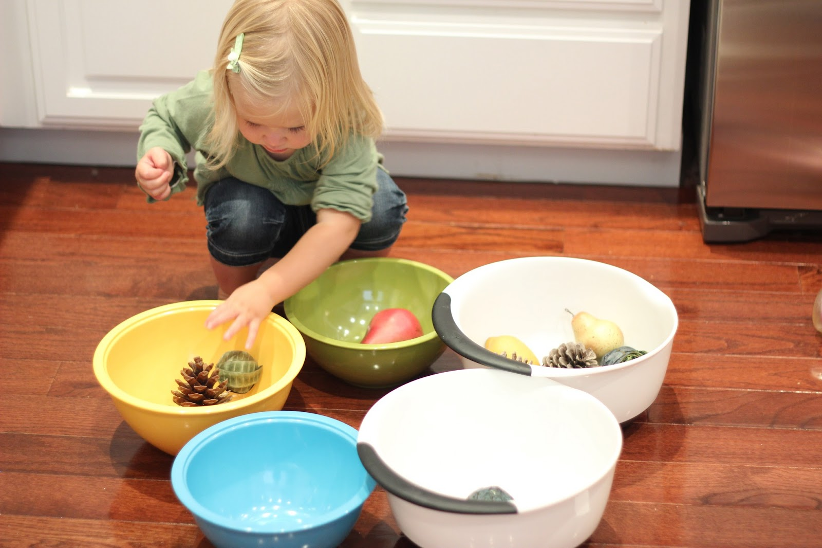toddler approved simple tips for helping toddlers play independently have special activities or materials that kids can only use during independent time