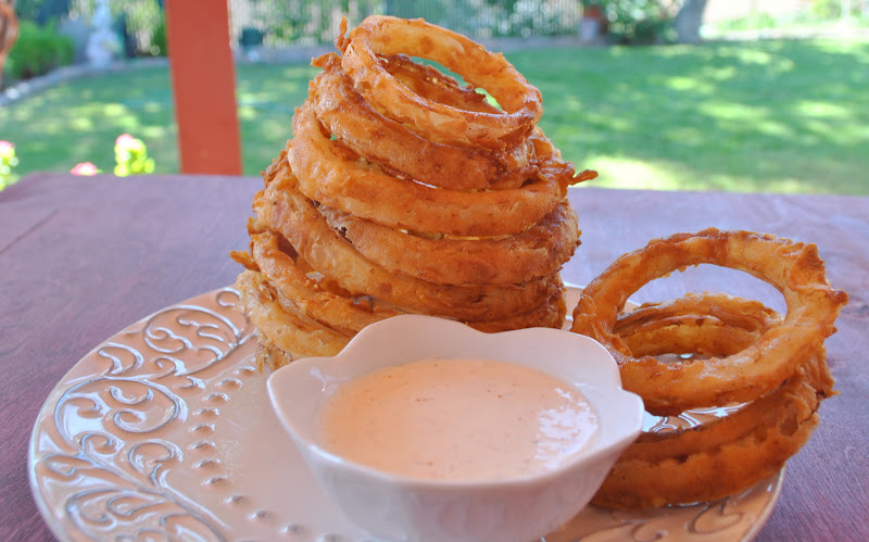 my kaotic kitchen: spicy buttermilk onion rings w/ spicy dipping sauce ...