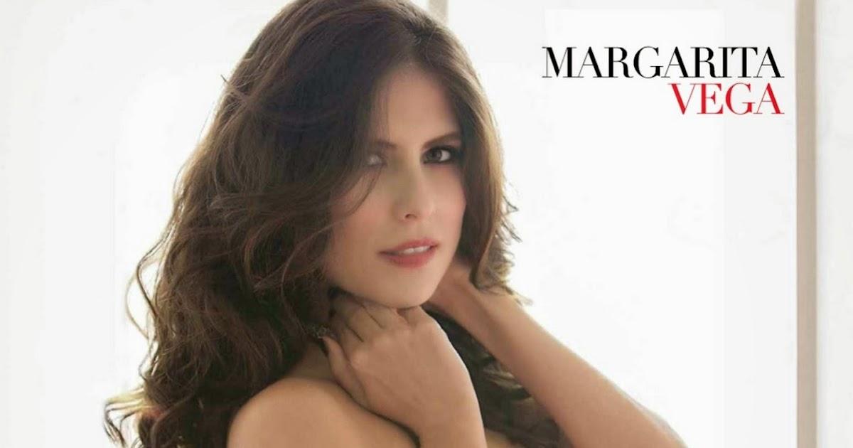Adriana Lima Victorias Secret Fashion Show 2013