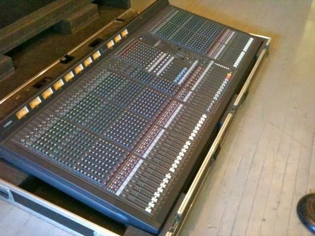 Adventures of sound tech guy yamaha m2500 40ch for sale for Yamaha mixing boards
