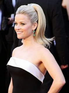 Reese Witherspoon stand in open casting call