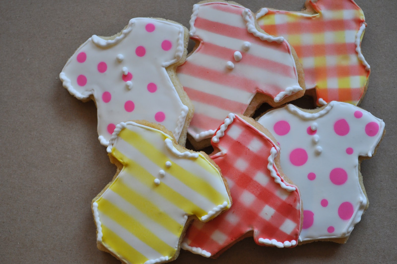 Our Italian Kitchen: Onesie Baby Shower Cookie Favors