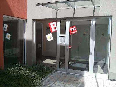 budova B - hlavní vchod