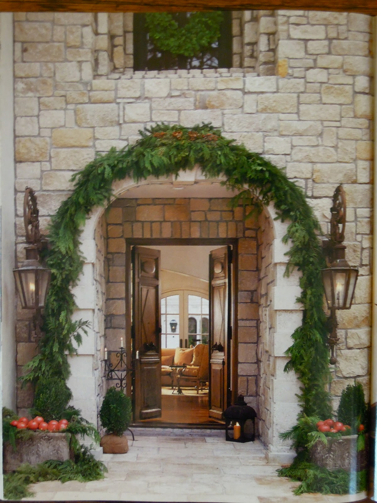 Antiqueaholics pamela pierce decorates for christmas for Decoration veranda