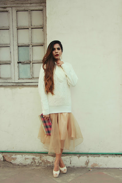 winter day glam outfit, winter fashion trends 2015, how to style long pullover, vintage clutch, delhi blogger, delhi fashion blogger, indian blogger, indian fashion blogger, fashion, fashionmia, girly winter outfit, beauty , fashion,beauty and fashion,beauty blog, fashion blog , indian beauty blog,indian fashion blog, beauty and fashion blog, indian beauty and fashion blog, indian bloggers, indian beauty bloggers, indian fashion bloggers,indian bloggers online, top 10 indian bloggers, top indian bloggers,top 10 fashion bloggers, indian bloggers on blogspot,home remedies, how to