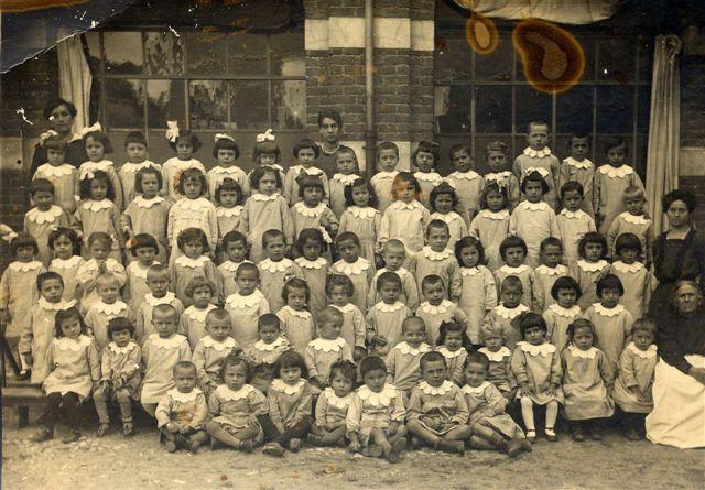 Asilo comunale di Cso Magenta 1918 (foto fornita da Manuela Parini)