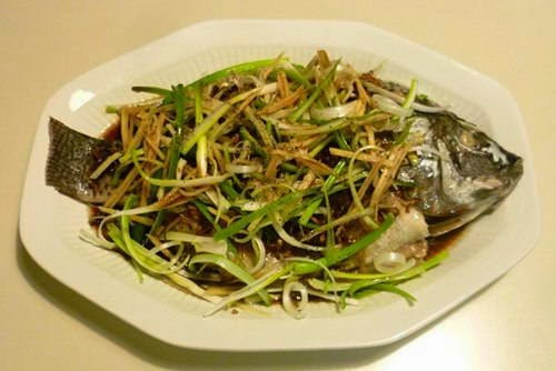 Vietnamese Fish Recipe - Cá Rô Phi Hấp Hành Gừng