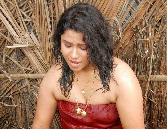 Actress Jyothi Hot Cleavage Show Stills Vahida