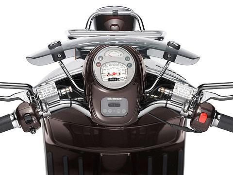 2013 Vespa GTV 300ie scooter pictures | Size 480x360 pixels