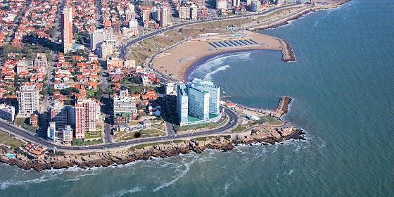 Panorámica del Cabo Corrientes en Argentina