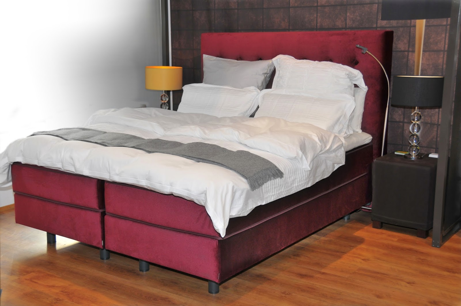 m bel ausstellungsst cke in m nchen bei der shogazi schlafkultur. Black Bedroom Furniture Sets. Home Design Ideas
