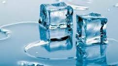Manfaat Mengunyah Es Batu