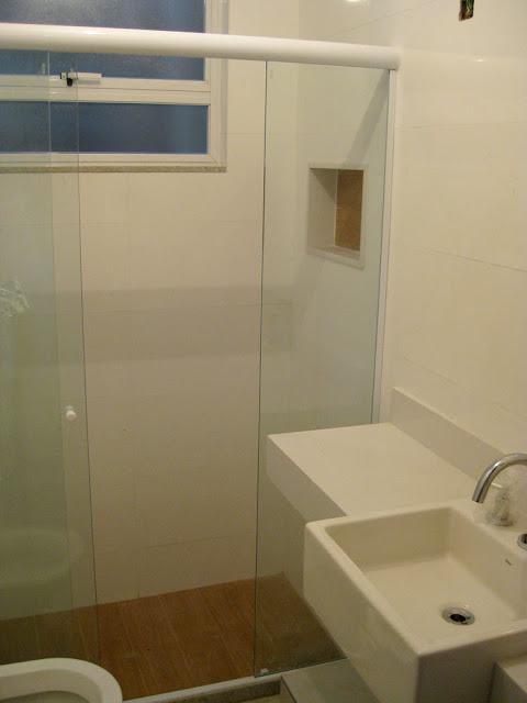 Reforma reforma Banheiro  janela e box -> Banheiro Pequeno Assim Eu Gosto
