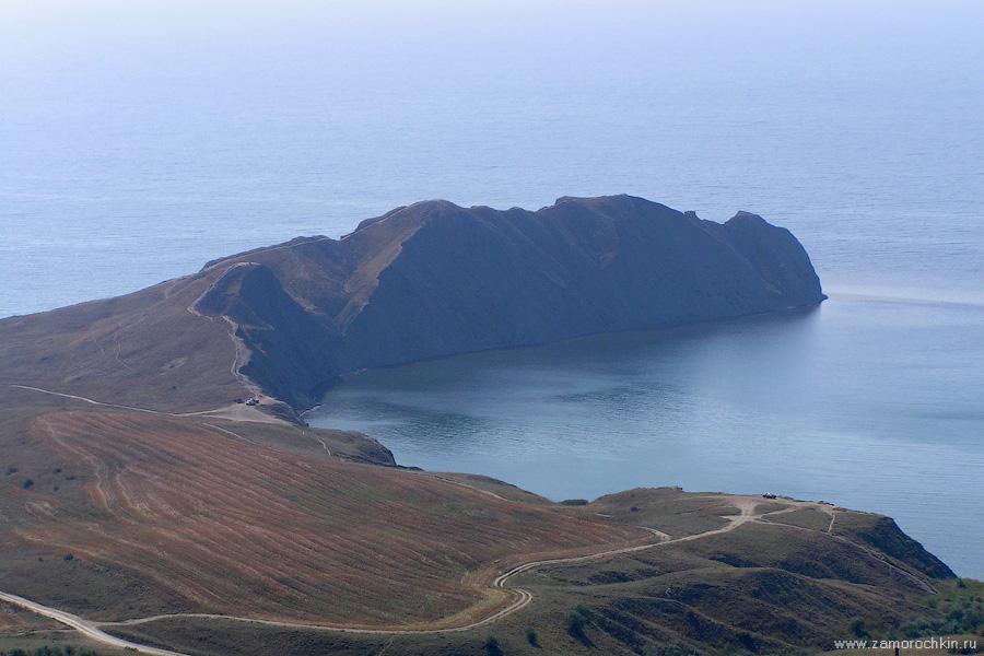 Мыс Хамелеон. Вид с горы Волошина | Chameleon cape viewed from Voloshin mountain