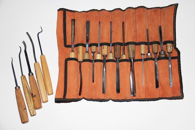 Taller de talla en madera escuela de arte la palma wood - Herramientas de madera ...