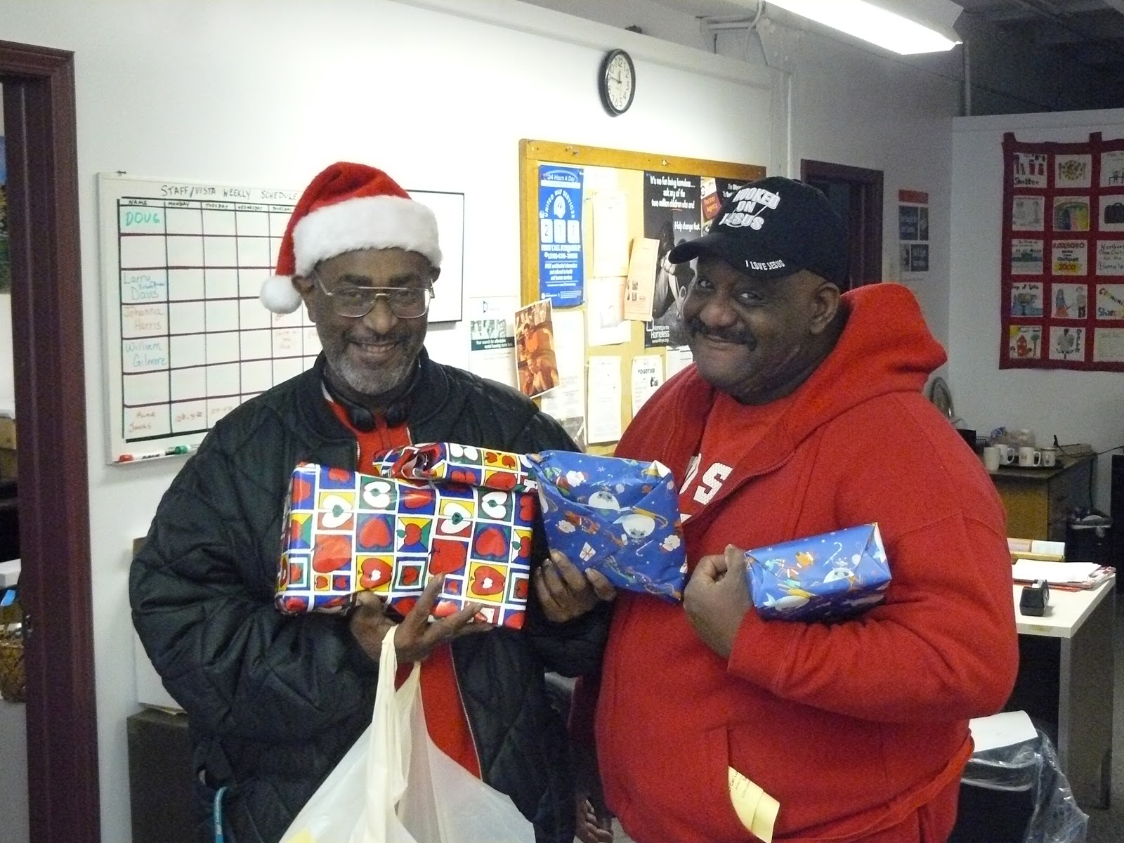 Toys For The Homeless : Cleveland homeless distributing toys