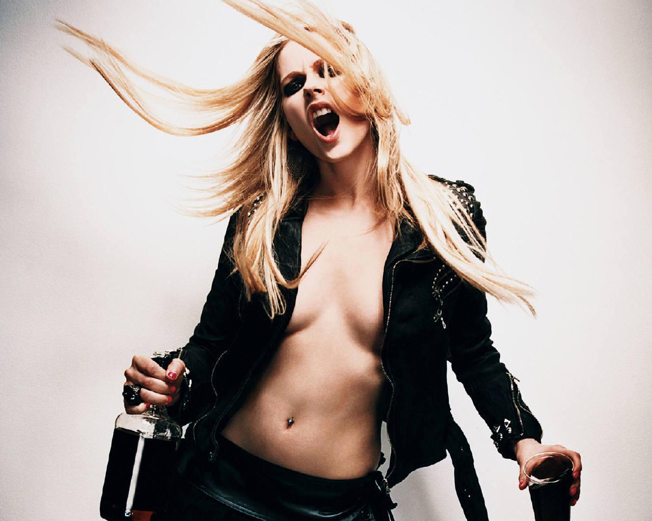Avril lavigne hot sexy