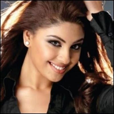 Mayakkam Enna heroine Richa Gangopadhyay Stills
