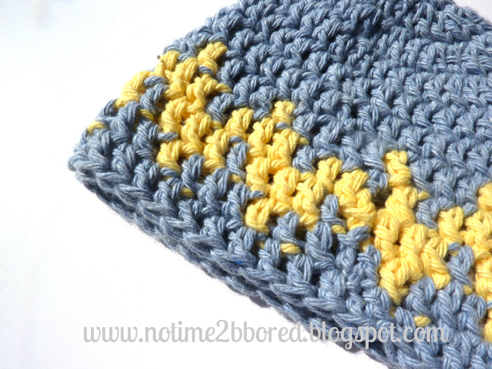 No time to be bored: Crochet Chevron Baby Hat
