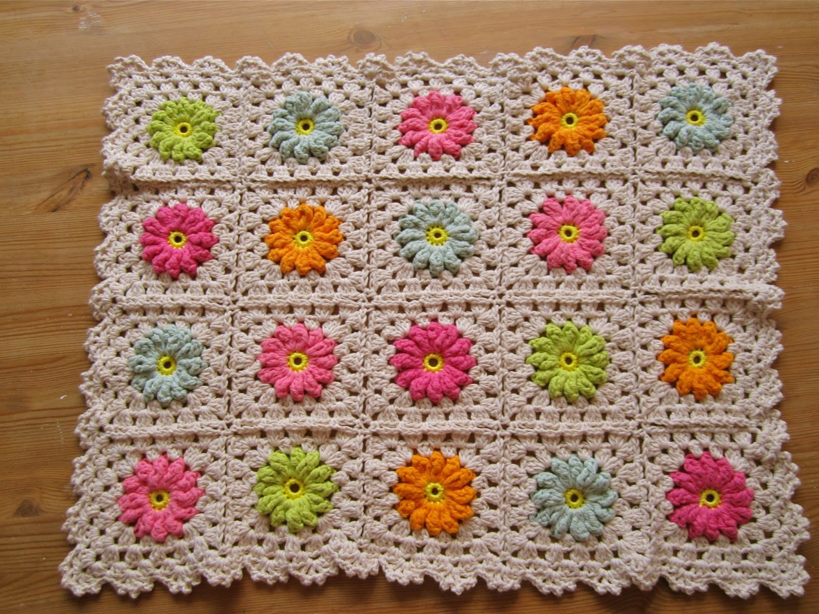 Color n Cream Crochet and Dream: Flower Square Tutorial III
