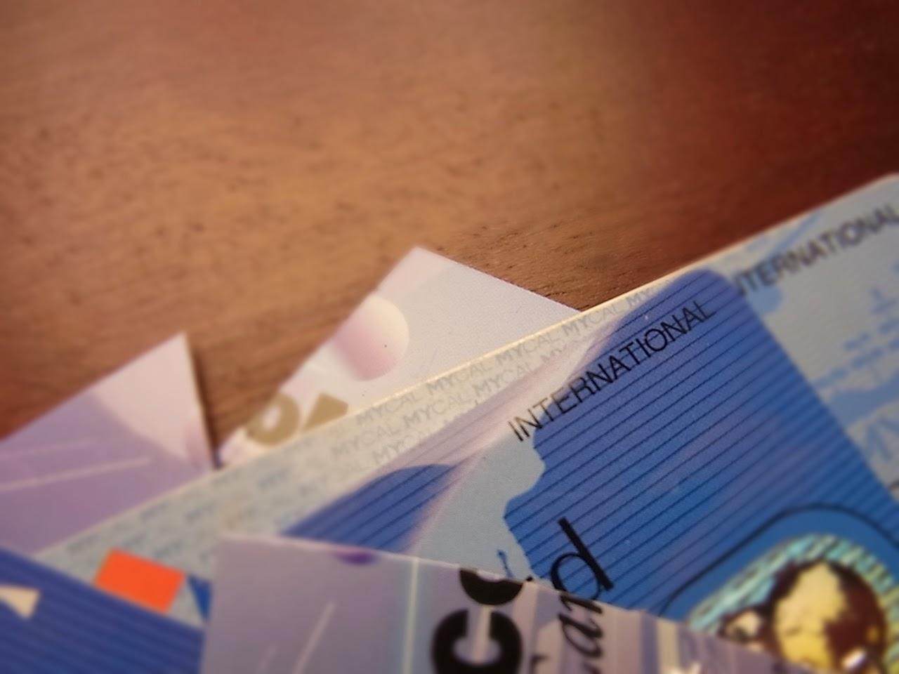 本日ハサミを入れたカード