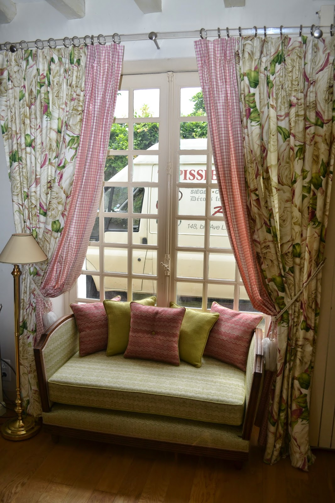 tapissier decorateur bruno pinard derni res r alisations si ges et rideaux etc. Black Bedroom Furniture Sets. Home Design Ideas