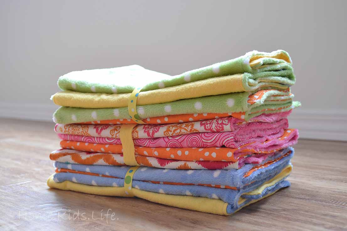 Home kids life diy baby burp clothes heres a link to the tutorial i wont show you all that i did because well there are about 5 thousand and one burp cloth tutorials out there baditri Image collections