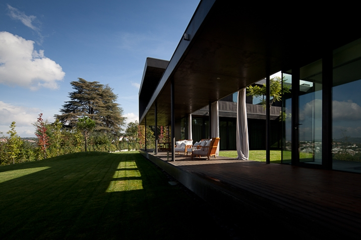 Terrace of Black Concrete House by Pitagoras Arquitectos
