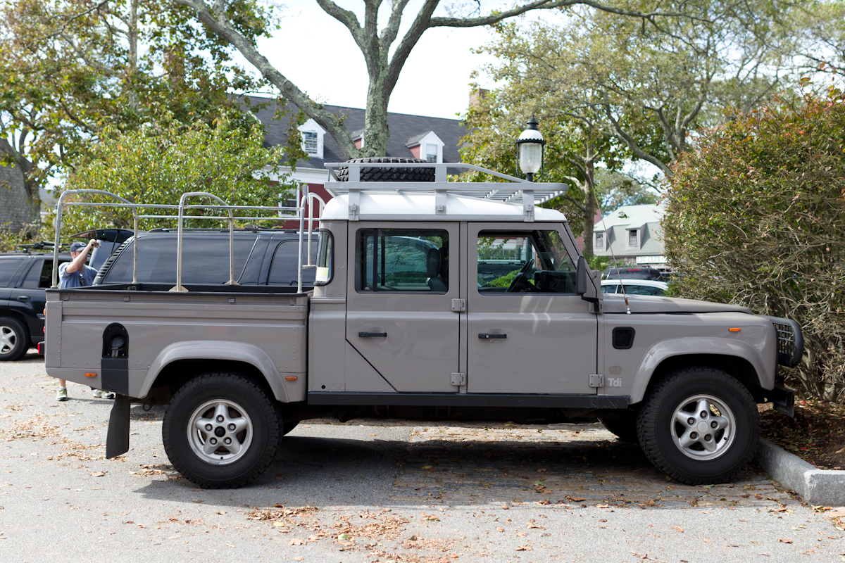 the street peep 2006 land rover defender 130 tdi. Black Bedroom Furniture Sets. Home Design Ideas