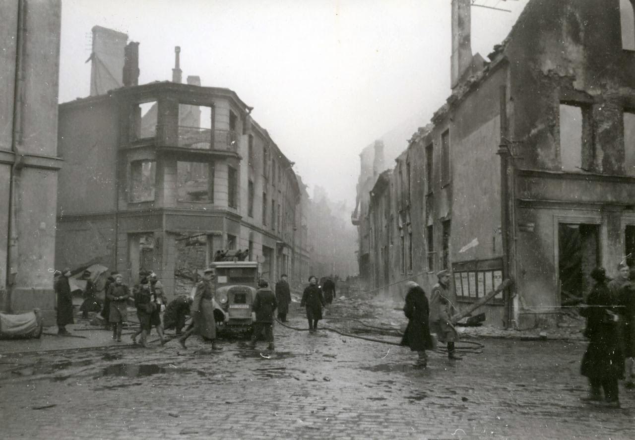 Последствия бомбардировки Таллинна. Март 1944 года