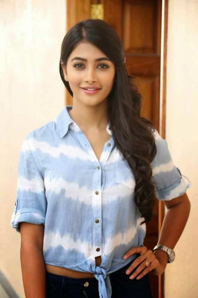 Pooja Hegde Hot Pics In Tshirt Jeans