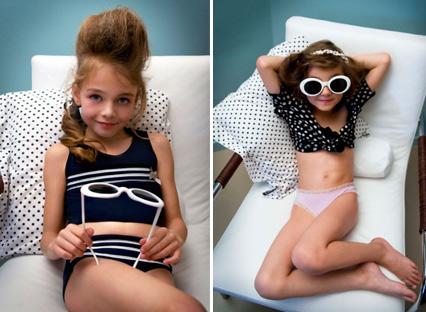 Pre pubesent girls in bikini stars doing