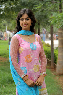 Monal Gajjar latest gorgeous Pictures 009.jpg